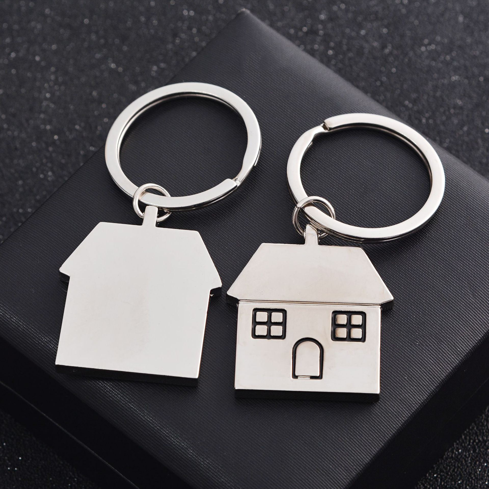 custom High Quality Supply Black Custom The laser Metal material The house shape Key chains